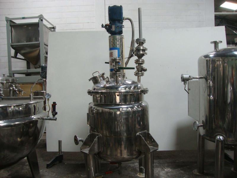 Reatores químicos industriais